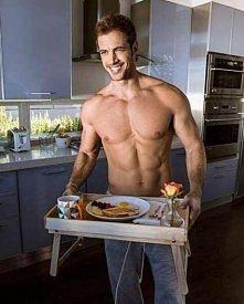 Może śniadanko ?? *.*