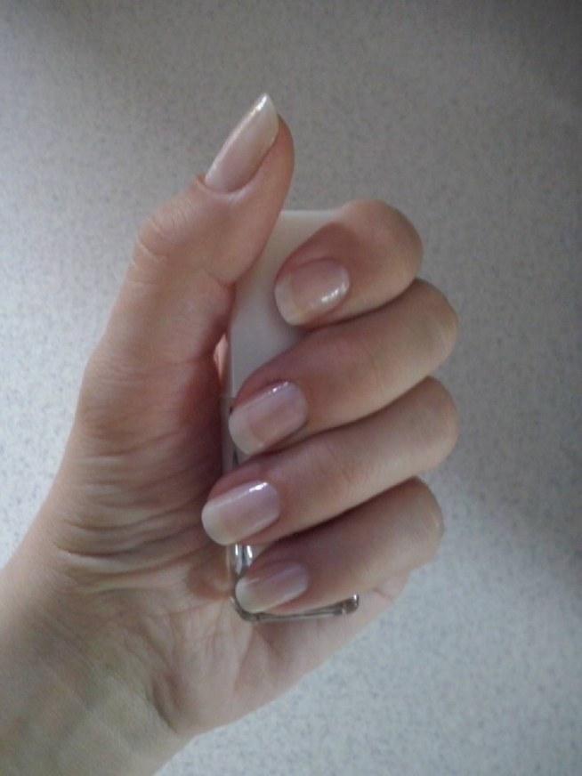 Moje paznokcie po odżywce Eveline 8w1, aktualnie pomalowane odżywką z Oriflame