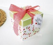 Pudełko na prezent ślubny / pudełko na pieniądze weselne Unikatowe pudełko w motyw apetycznych wiśni z czerwienią i zielenią - oryginalny sposób na przekazanie życzeń oraz gotów...