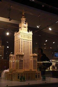 Pałac Kultury i Nauki w… Krakowie tylko do 29 czerwca  Największa w Polsce Wystawa. Budowli z Klocków LEGO dobiega końca  Jeszcze tylko kilkanaście dni krakowianie mają szansę p...