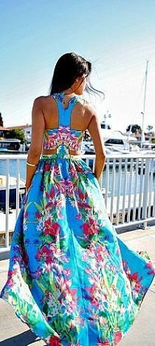 Bardzo nam się podoba taka suknia <3