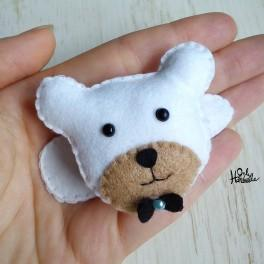 Spiniś - spineczkowy miś dla małej modnisi :) Zobacz na OnlyHandmade.pl