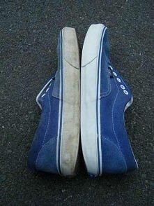 Czym czyścić podeszwę butów...