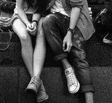 Prawdziwa miłość nie może skończyć się szczęśliwie, bo prawdziwa miłość jest nieskończona.