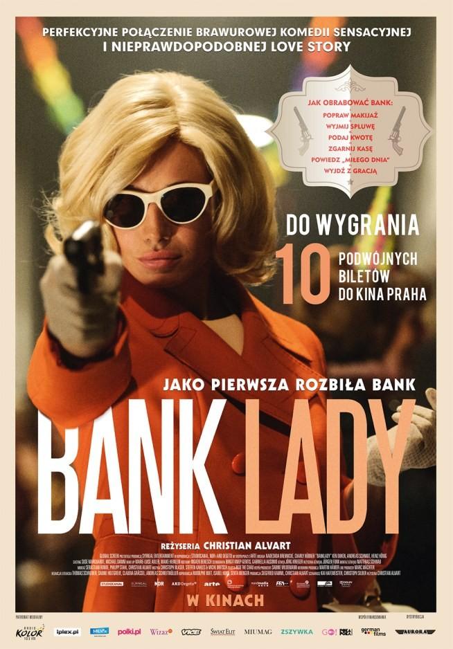 """KONKURS  Mamy do wygrania 10 podwójnych zaproszeń na przedpremierowy pokaz filmu Bank Lady.   ⒷⒶⓃⓀ ⓁⒶⒹⓎ   Jest to perfekcyjne połączenie brawurowej komedii sensacyjnej i nieprawdopodobnej love story, w stylu """"Bonnie i Clayde"""". Oparta na faktach historia pierwszej kobiety w Niemczech, która odważyła się zorganizować napad na bank. I to na nie jeden, a na kilka banków. """"Bank Lady"""" był pokazywany w konkursie Międzynarodowego Festiwalu Filmowego w Chicago, gdzie zdobył nagrodę Srebrnego Hugo dla najlepszej aktorki.   Bohaterką filmu jest 30-letnia Gisela Werler, pracownica małej wytwórni tapet. Dziewczyna wciąż mieszka z rodzicami i wiedzie dość nudne życie reprezentantki klasy średniej, jak wiele kobiet w Niemczech Zachodnich lat 60. XX w. Gisela pragnie wyrwać się z monotonii codzienności i snuje plany wyjazdu na ekskluzywny urlop na Capri. Gdy poznaje czarującego Hermanna, taksówkarza napadającego na banki, pojawia się szansa na spełnienie podróżniczych marzeń Giseli. Tak zaczyna się historia osławionego duetu, szalonej i nieprzewidywalnej pary, Bonnie i Clyde'a z przedmieść Hamburga.  Pokaz odbędzie się w Warszawie w kinie Praha 28 lipca (pon.) o godz. 18:30  Co zrobić, żeby wygrać podwójne wejściówki?  W komentarzu poniżej uzasadnij, dlaczego chcesz obejrzeć ten film i z kim planujesz się wybrać na pokaz? Dodaj również link do zszywki, która będzie nawiązywała do mody, stylu z lat 60-tych.  Konkurs trwa od 17.07 do 24.07 Wyniki ogłosimy: 25.07  Do dzieła! :)"""