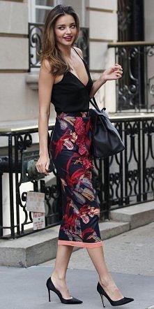 Jak zawsze idealna w każdym calu Miranda Kerr, w pięknej spódnicy od Sonii Rykiel!