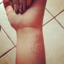co powiecie na białe tatuaże? :)