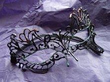 Maska z siateczki i gorącego kleju(Lace masquerade)