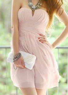 Beżowa sukienka. Idealna na wesele. Co myslicie?