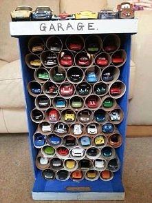 Sposób na przechowywanie samochodzików :)