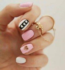 się zastanawiam na jaki kolorek sobie paznokcie pomalować :)