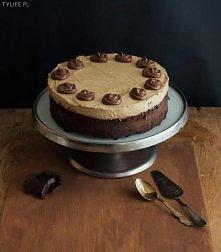 Tort czekoladowo karmelowy.