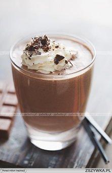 Koktajl mleczno-kawowy -  mleko-4 szklanki żółtka-4 sztuki cukier puder-3 łyż...