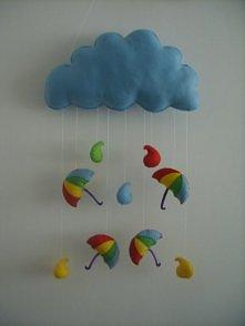 Filcowa chmurka z parasolkami - wykonana ręcznie z filcu. Po więcej zapraszam na moją stronę na fb słoniowo - to i owo :)