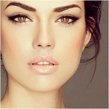 Piękny delikatny makijaż ;]