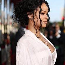 Przepiękna Rihanna <3 <3