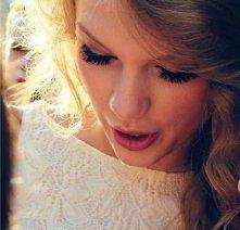 Tay Swift :)