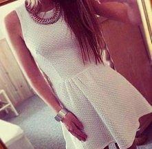 Biała sukienka :)  śliczna