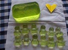 ŻELOWE MYDEŁKA POTRZEBUJECIE: 100 ml mydła w płynie 1 łyżeczka soli kuchennej...