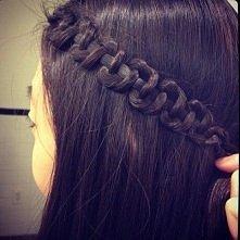 Łatwa fryzura na długie włosy.