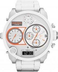 Gigantyczny zegarek w białym kolorze to propozycja od marki Diesel.