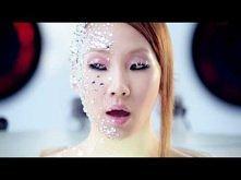 2NE1 - FOLLOW ME (날 따라해봐요) M/V