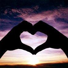 """""""To coś więcej niż chemia , która napędza organizm. Mamy serca by kochać..."""