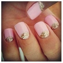 różowe paznokcie z dodatkiem