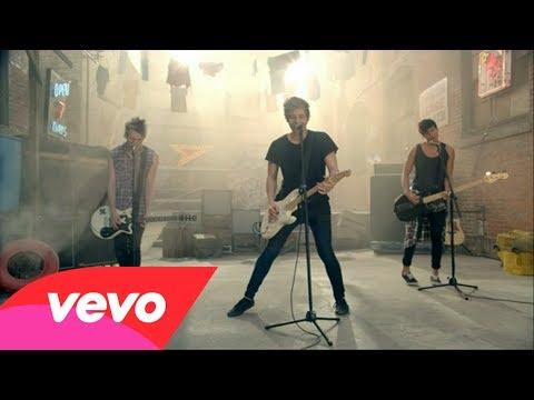 aaaaaaaaaaaaaaaaaaaaaaaaaaaa k***a kocham wass <3 <3 <3  5 Seconds Of Summer - She Looks So Perfect