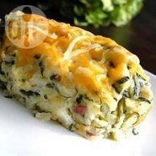 Zapiekanka ze szpinaku i ziemniaków Składniki ilość porcji: 8 300 g mrożonego posiekanego szpinaku 6 obranych i pokrojonych ziemniaków 115 g masła 1 szklanka kwaśnej śmietany 1 ...