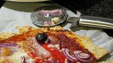 Pizza na razowym cieście - gotowa w 20 minut!
