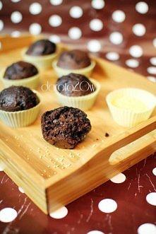 Muffinki kakaowe z kaszą jaglaną Zostało mi trochę kaszy jaglanej i postanowiłam dodać ją do przyrządzanych muffinek na następny dzień na śniadanie. Wyszły super ! Polecam ten m...