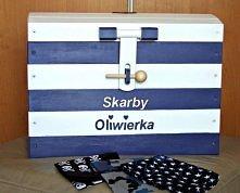 kufer skrzynia na zabawki w stylu marynarskim.