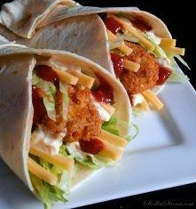 Domowe Snack Wrap jak z McDonald's - Przepis   Składniki: 2 podwójne piersi z kurczaka 1 mała bułka + mleko do namoczenia 2 ząbki czosnku łyżka bułki tartej jajko przyprawy...