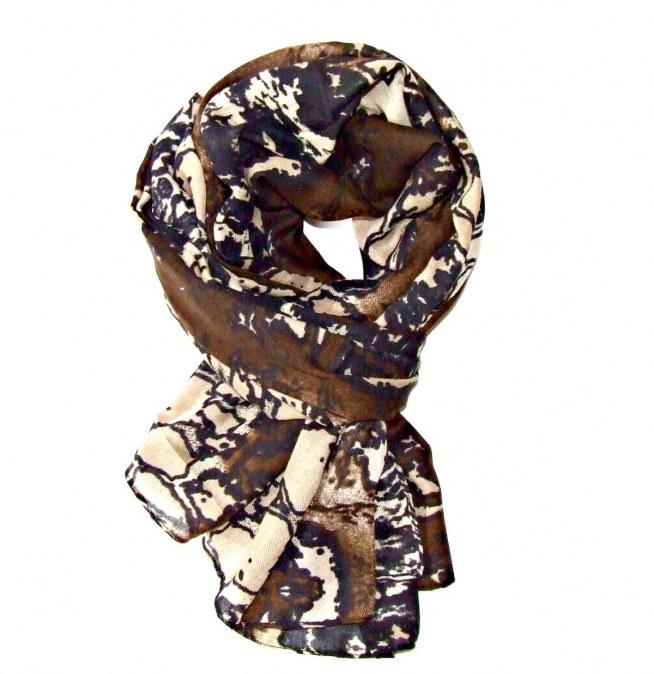 Czekoladowy szal z pięknej kolekcji WILD. Idealny na jesień i zimę!