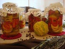 Składniki:  2 kg cukini  1 kg papryki  1/2 kg cebuli     Zalewa :  1 szkl. octu 10%  1 litr wody  1/2 litra soku jabłkowego z kartonu  sok z 1 cytryny  20 dkg. cukru  3 łyżki so...