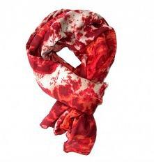 Czerwony szal z kolekcji WI...