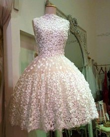 Urocza sukienka =)