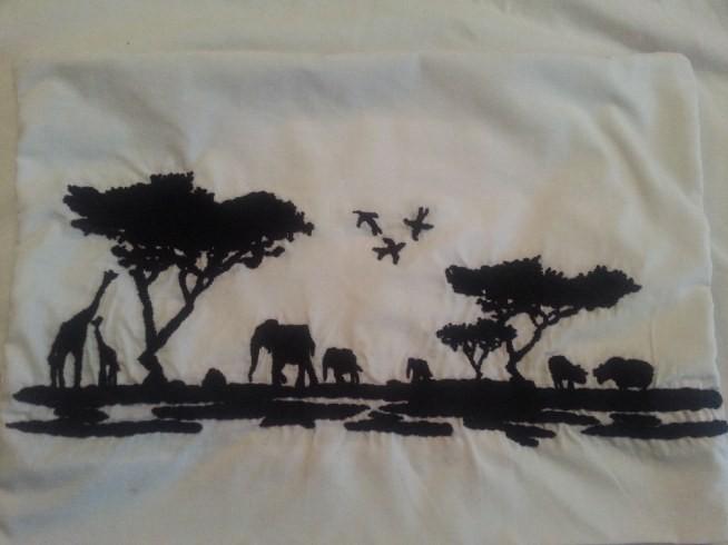 afrykańska poduszka wyszyta muliną ;)