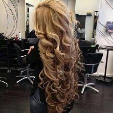 Stylizacja włosów kręconych...