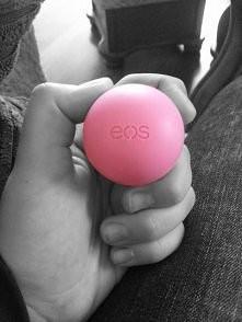 Hej wam mam pytanie, co myślicie o jajeczku EOS? ( Jest to pomadka. ) Mam zap...