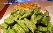 Zielone kopytka z serem i szpinakiem Kopytka w wersji zielonej wyglądają ciek...