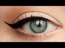 Idealna kreska eyelinerem - [ Red Lipstick Monster ]