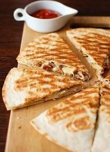 składniki: -4 placki tortil...