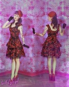 Czarna sukienka w czerwone ...