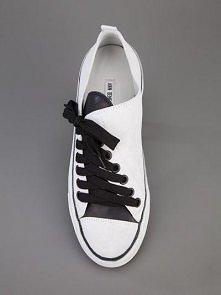 asymmetric sneaker LOVE