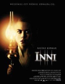 """Naprawdę straszny film """"Inni""""-Grace wraz z dziećmi mieszka w olbrzy..."""