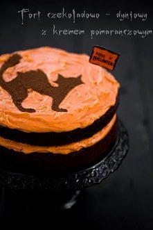 Tort czekoladowo - dyniowy  z pomarańczowym kremem