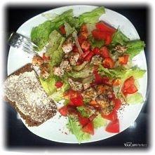 kolacja- salatka z grillowanym kurczakiem