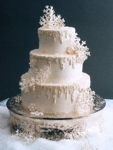 Tort weselny na zimowy ślub